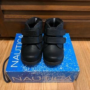Nautica Boots with Velcro Closure in Size 6